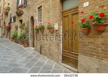 stock-photo-beautiful-italian-alley-38422738