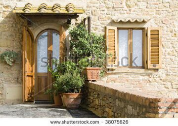 stock-photo-lovely-tuscan-entrance-38075626
