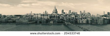 stock-photo-st-paul-s-cathedral-in-london-as-the-famous-landmark-204533746